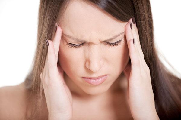 Бой с мигренью: почему болит голова и как с этим бороться