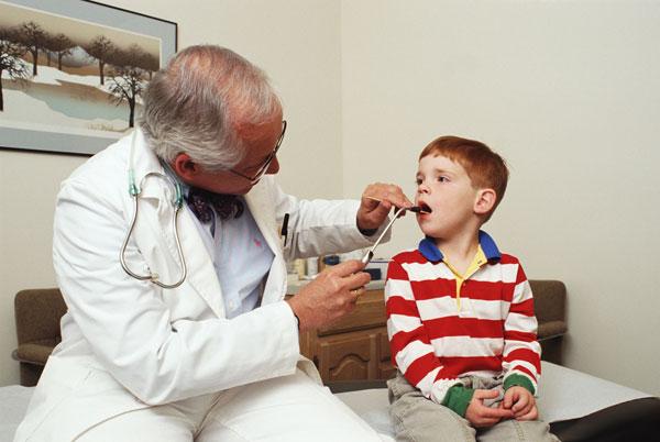 Трахеит у детей: симптомы и эффективное лечение