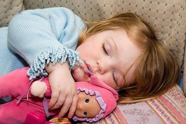 Детский сон: делим территорию