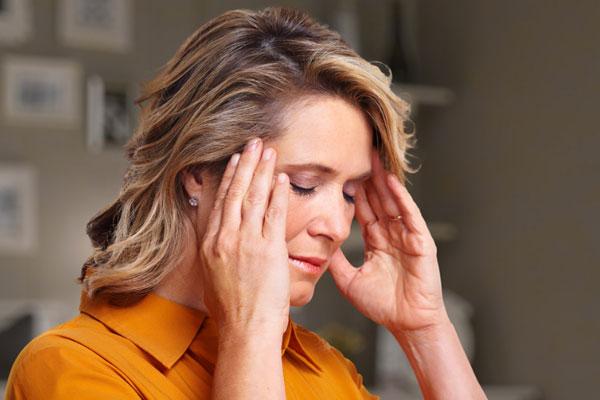 Как лечить головную боль травами