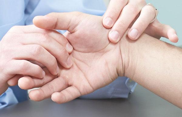 Артрит: причины, симптомы, лечение