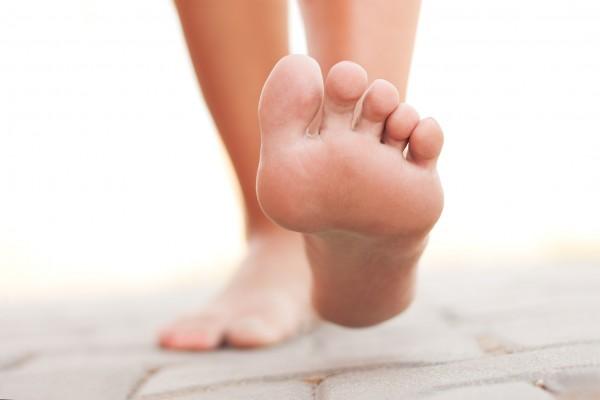 Причины, симптомы и лечение костных шпор на ступнях (остеофитов)