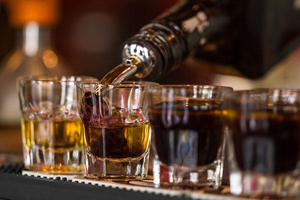 Чем страдает алкоголик?