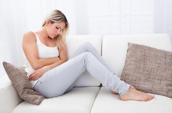 Предменструальный синдром: причины, симптомы и способы облегчения состояния