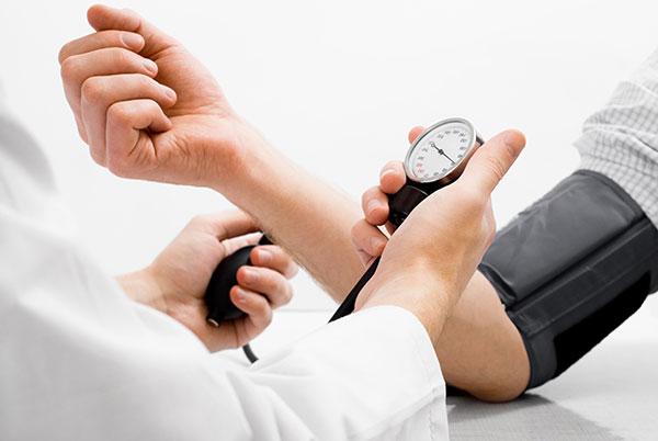 Высокое артериальное давление – причины и что делать