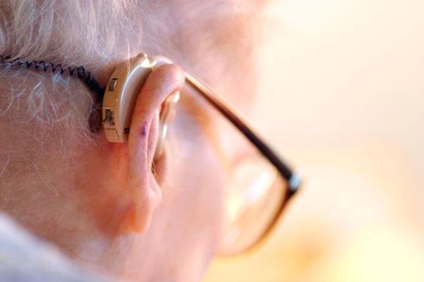 Как же выбрать слуховой аппарат