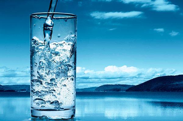 Питьевая минеральная вода из чудодейственного источника