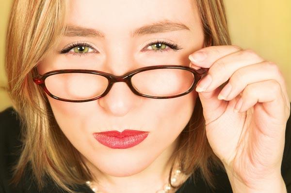 Симптомы и причины развития близорукости, методы её лечения
