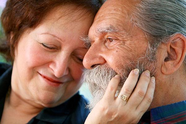 Зубы и старость: признаки стареющей улыбки