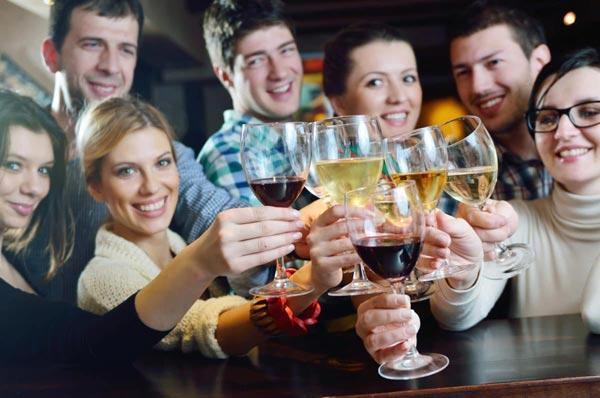 Что заставляет людей пить спиртное?