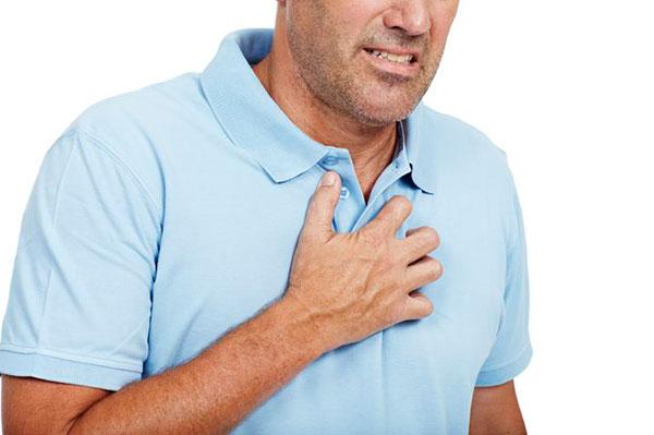 Означает ли боль в груди сердечный приступ