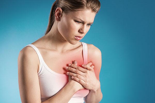 Почему может болеть грудь