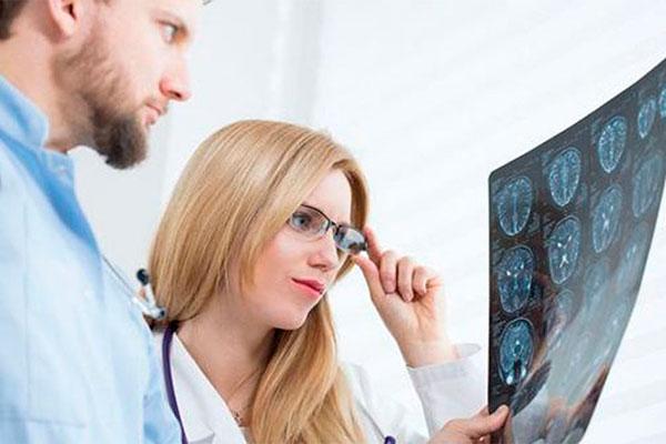 Как диагностировать и лечить рассеянный склероз