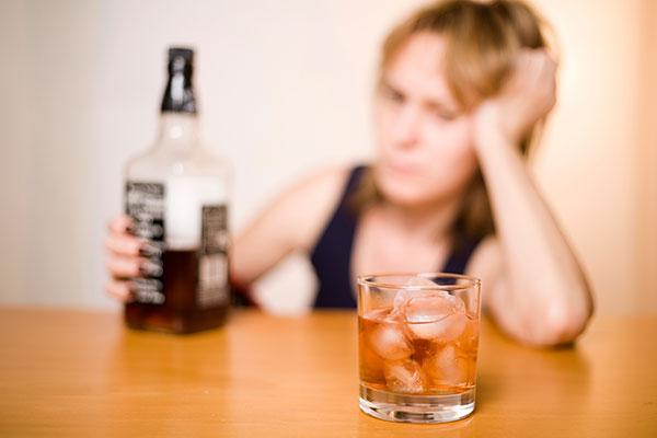 Причины женского алкоголизма