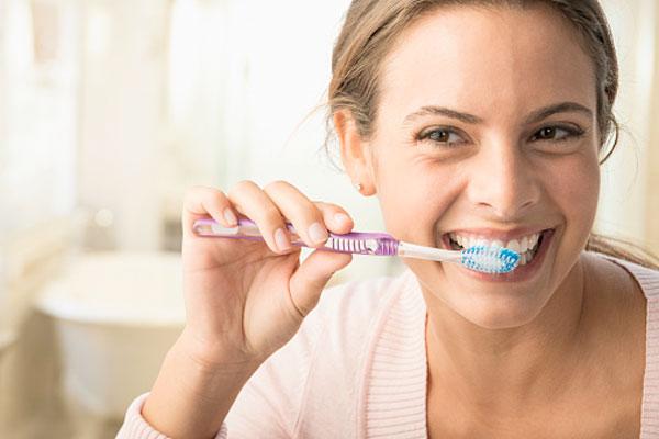 Зубной порошок или зубная паста. Что лучше для зубов?
