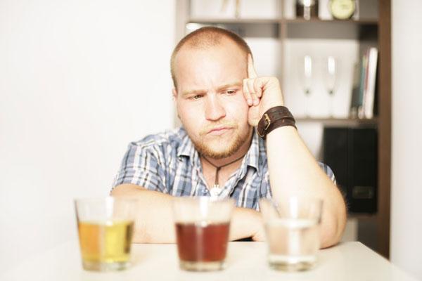 Последствия влияния алкоголя на кожу и волосы