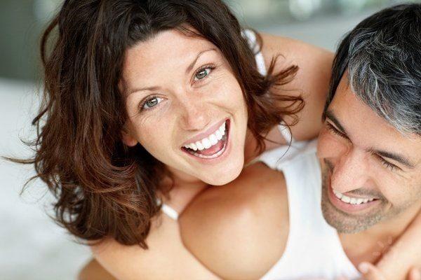 Великолепная улыбка с помощью имплантов