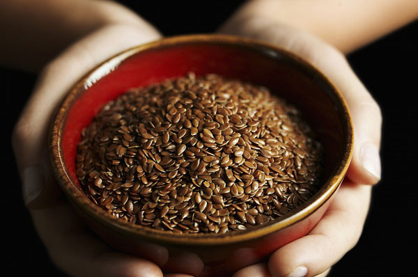 Почему женщинам стоит употреблять семена льна