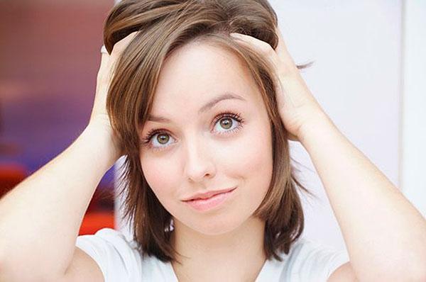 Выпадение волос: причины, симптомы, лечение