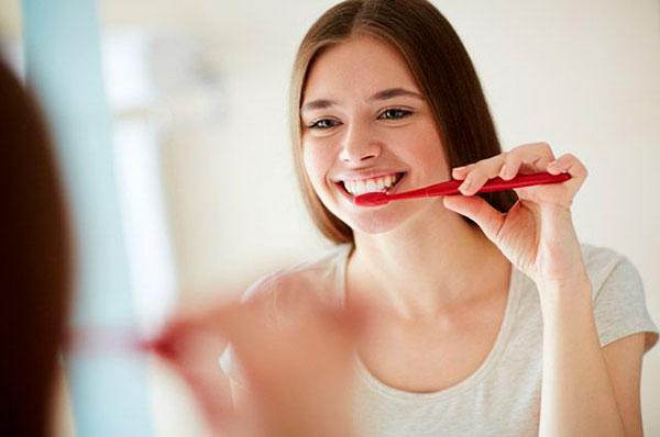 Почему болят здоровые зубы