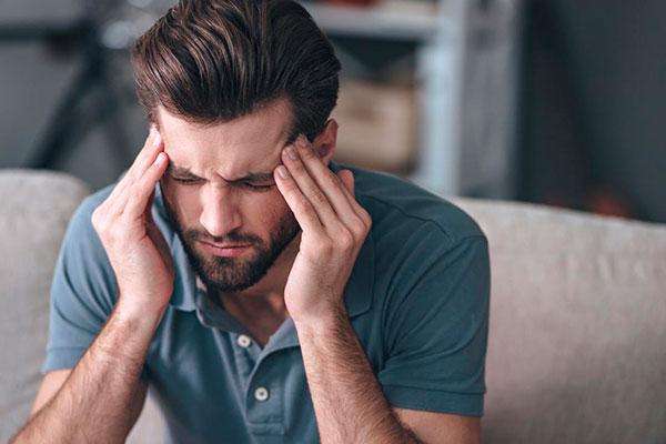 13 симптомов, указывающих на начинающуюся мигрень