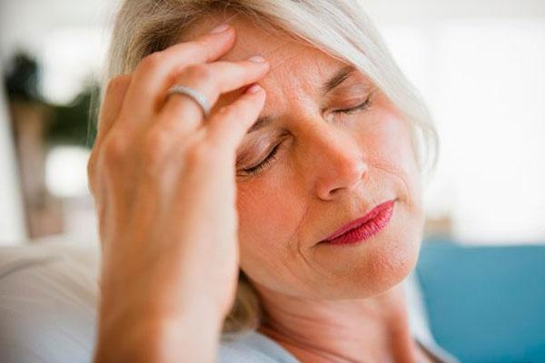 Народные средства от мигрени: причины приступов