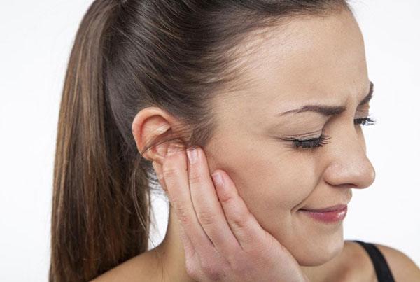 11 причин заложенности уха