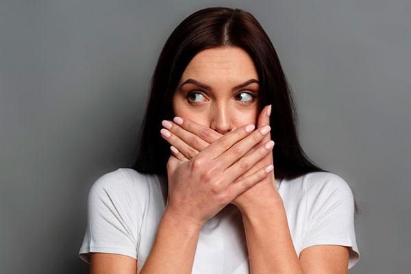 Опухла губа – причины, лечение