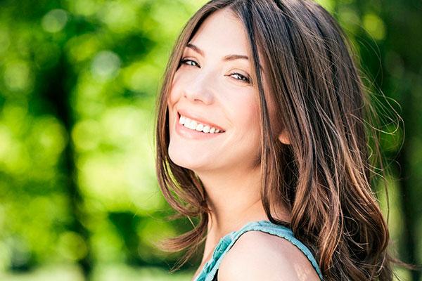 7 продуктов, которые сберегут белизну и красоту зубов