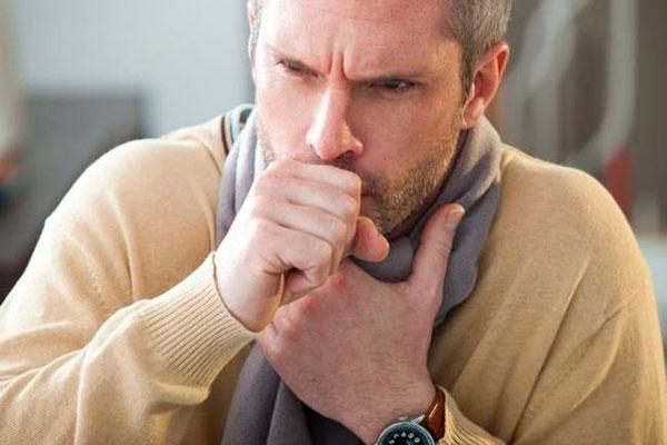 Кашель как симптом коронавируса: как различить сухой и влажный кашель?