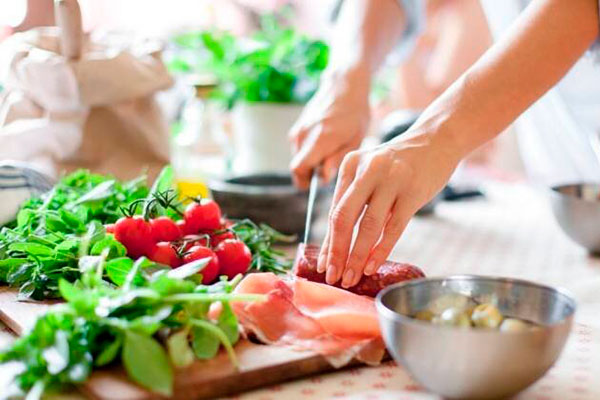 Что современная диетология говорит о диетах и похудении?