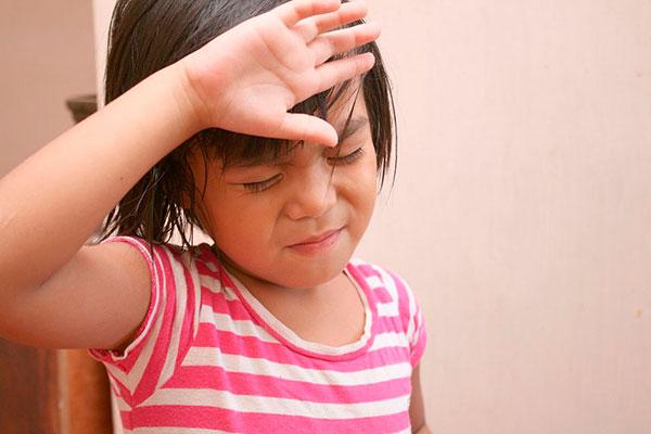 Помощь при головной боли у ребенка
