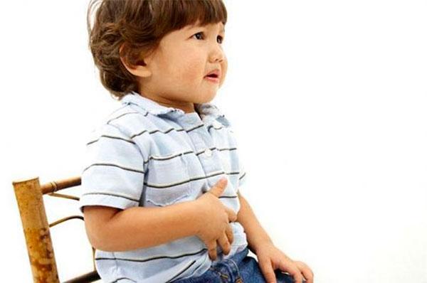 Помощь при отравлении у ребенка